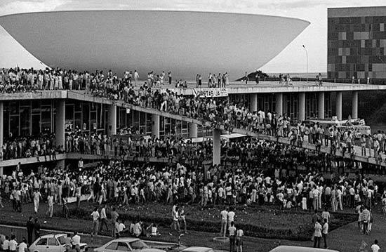 ditadura-militar-diretas-ja Veja você Brasil... Ou veja você Brasília