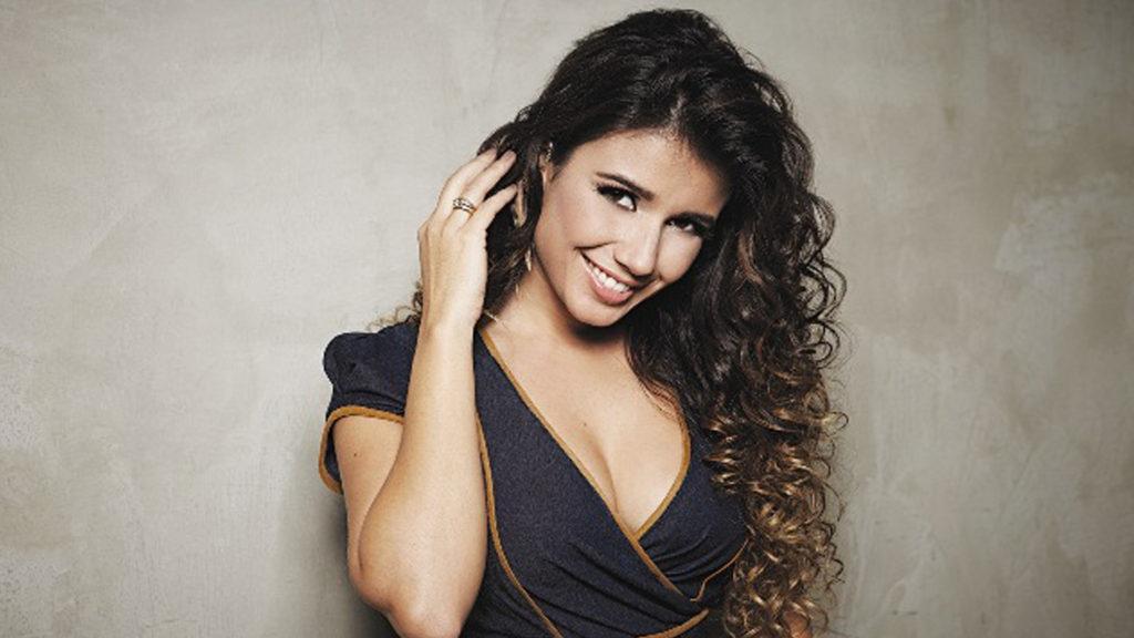 Paula-Fernandes-1 Mais Doze Beldades Brasileiras